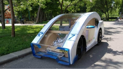Bulgarian students have created electric vehicle looking like computer mouse